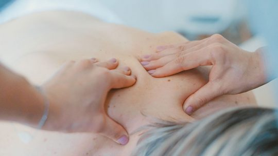 Deep tissue massage vs Swedish massage